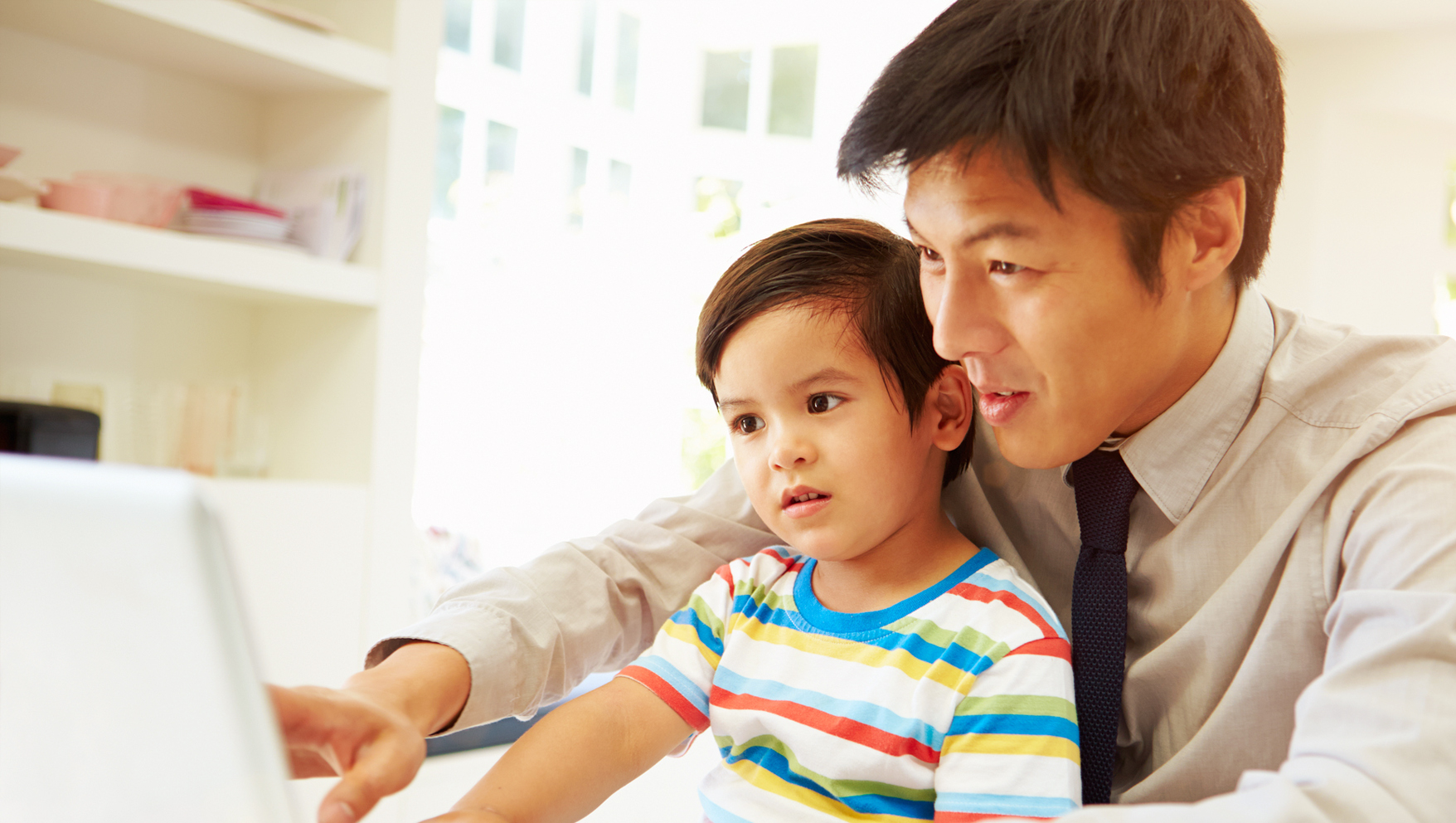 4 Tips for Helping Busy Dads Connect with Their Kids